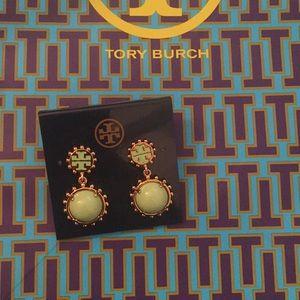Tory Burch Winslow Logo drop earring